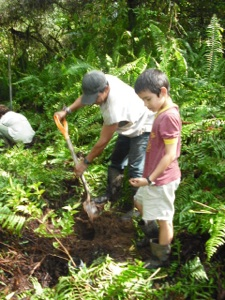 Students and the local community work towards reforestation in Costa Rica.